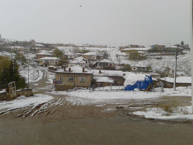 Kırşehir'in ilçeleri beyaza büründü