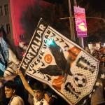 SPOR TOTO SÜPER LİG'İN 33. HAFTASINDA OSMANLISPOR'U YENEREK ŞAMPİYONLUĞUNU İLAN EDEN BEŞİKTAŞ'IN KIRŞEHİR'DEKİ TARAFTARLARI DA CACABEY MEYDANI'NDA ŞAMPİYONLUK SEVİNCİ YAŞADI. (ENDERHAN ÖZ/KIRŞEHİR-İHA)