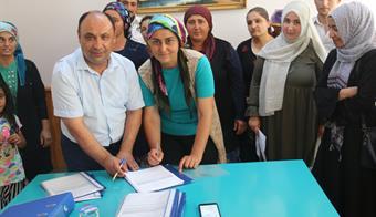 Genç Çiftçilerle Sözleşmeler İmzalandı