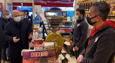 Kırşehir Valisi Akın, ev ziyaretlerinin kentte Kovid-19 vaka sayısını artırdığına dikkati çekti: