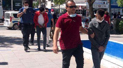 Kırşehir'de bakır kablo ve demir çalan iki zanlı polisin dikkati sayesinde yakalandı