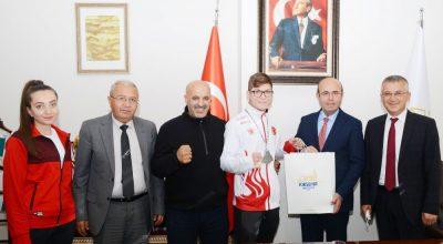 Kırşehir Belediyespor'lu Sefa Dünya ikincisi oldu