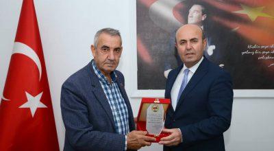 KBK'dan Başkan Ekicioğlu'na Plaket