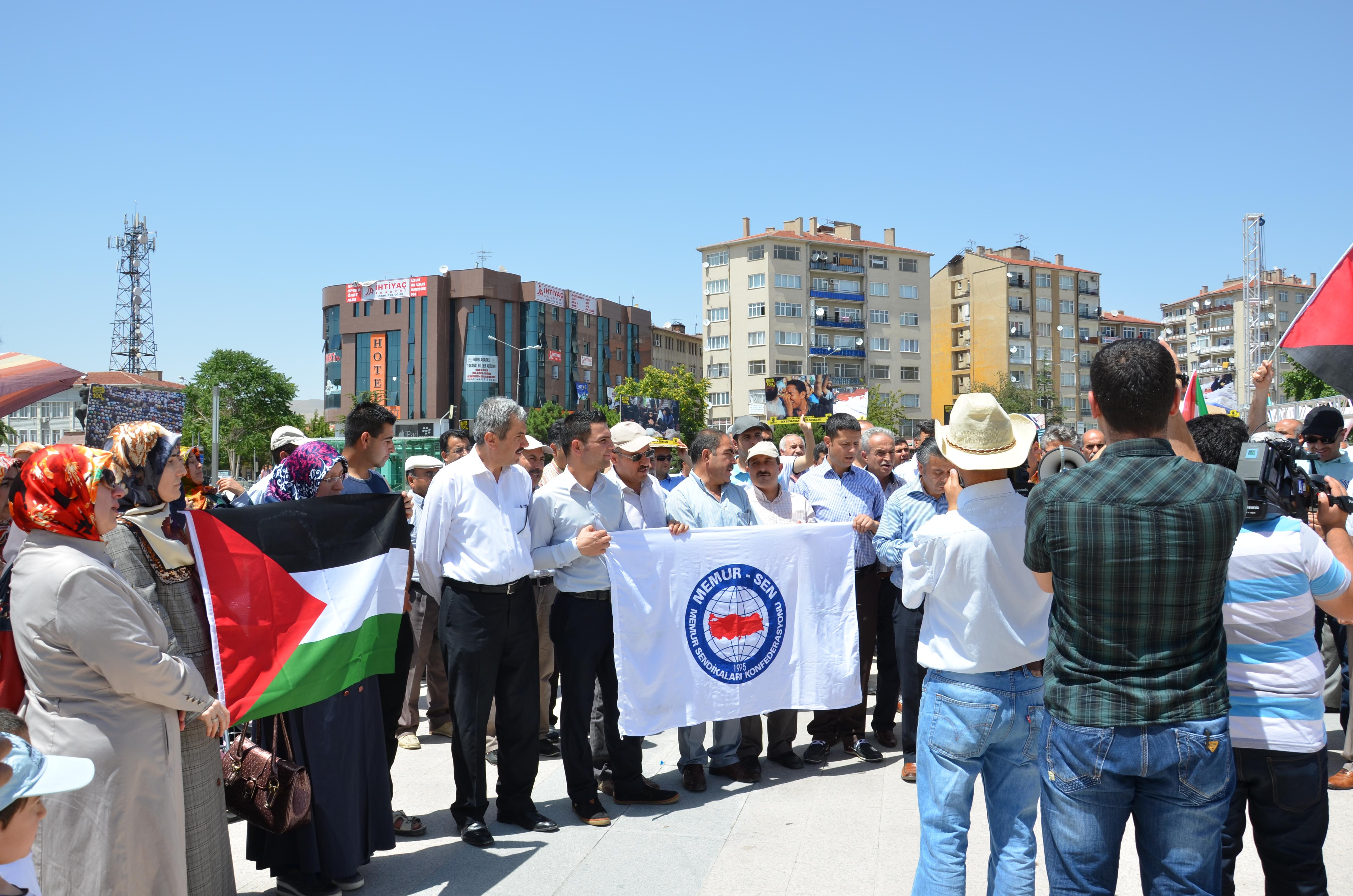 Memur-Sen Filistin olayları için miting yaptı