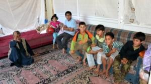 Suriyeli mülteciler yardım bekliyor