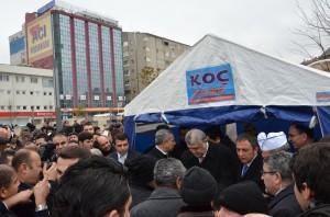 Bülent Arınç, Kırşehir'de 'Ahi Pilavı' Dağıttı