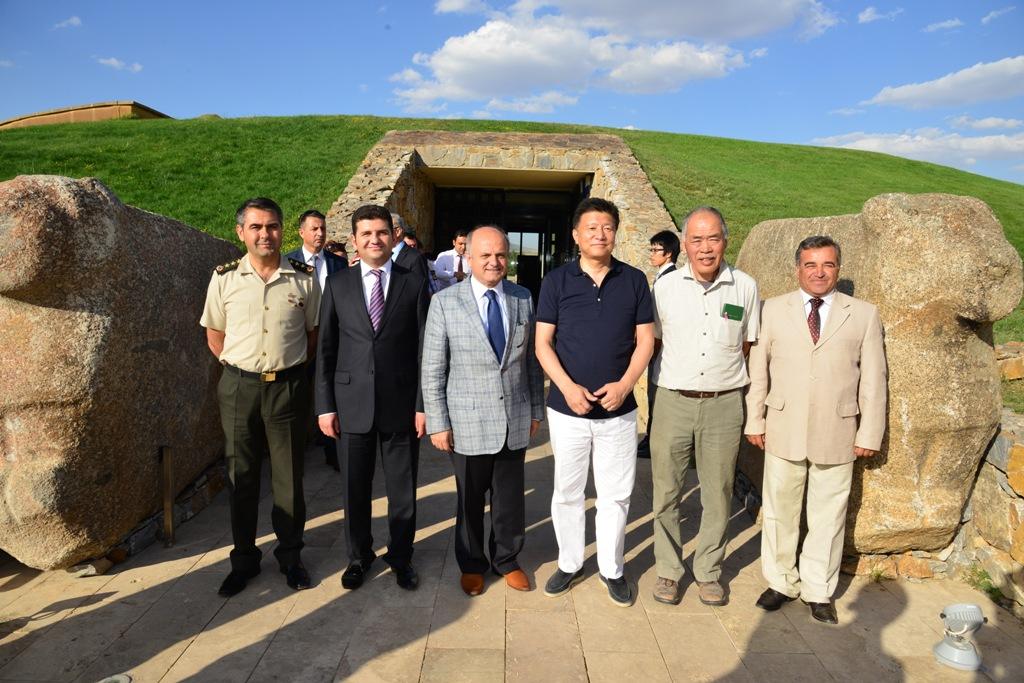 Japon Bakan, Kalehöyük Arkeoloji Müzesi'ni ziyaret etti