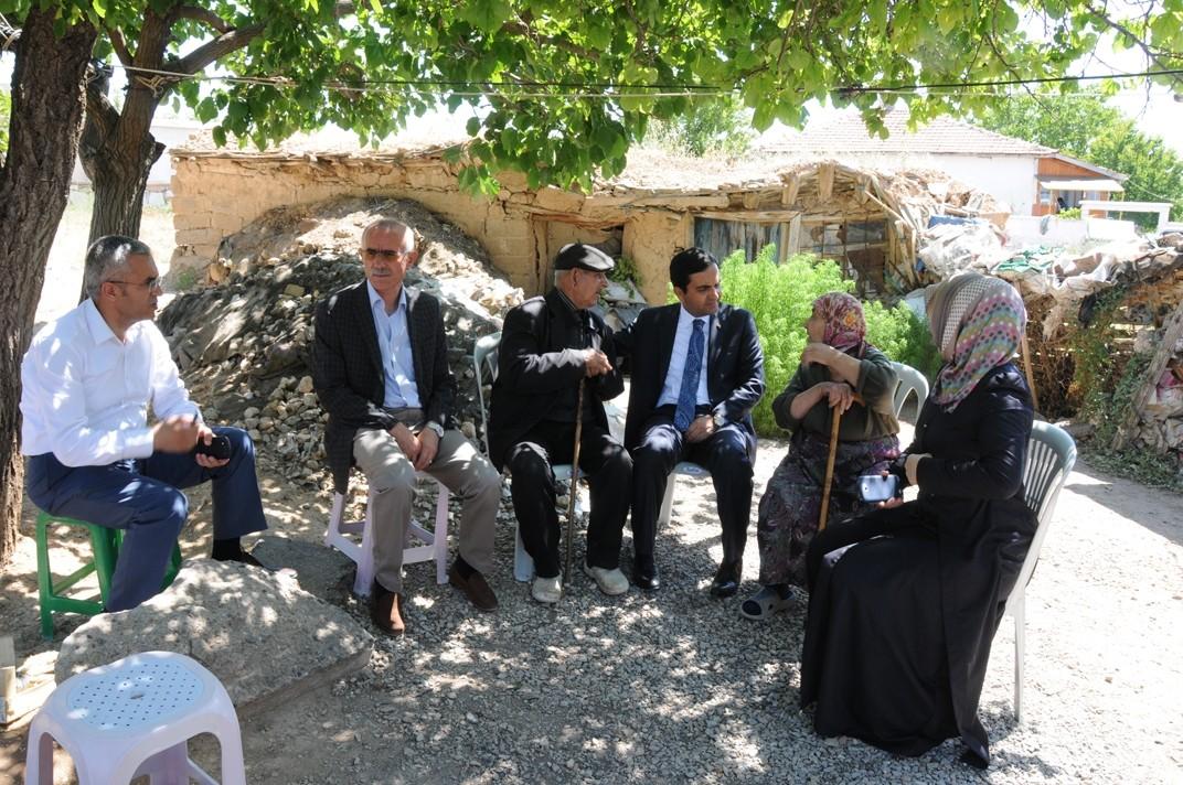 Kırşehir Belediye Başkanı Bahçeci, yaşlıları ziyaret etti