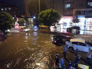 Yağmur ve dolu Kırşehir'i felç etti