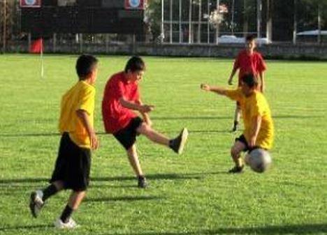 Yaz Kur'an Kursu öğrencilerinin futbol turnuvası sevinci